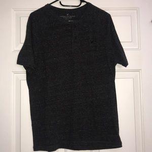 💚3 for $13💚 men's American eagle shirt
